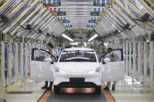 china:-automarkt-im-rueckwaertsgang