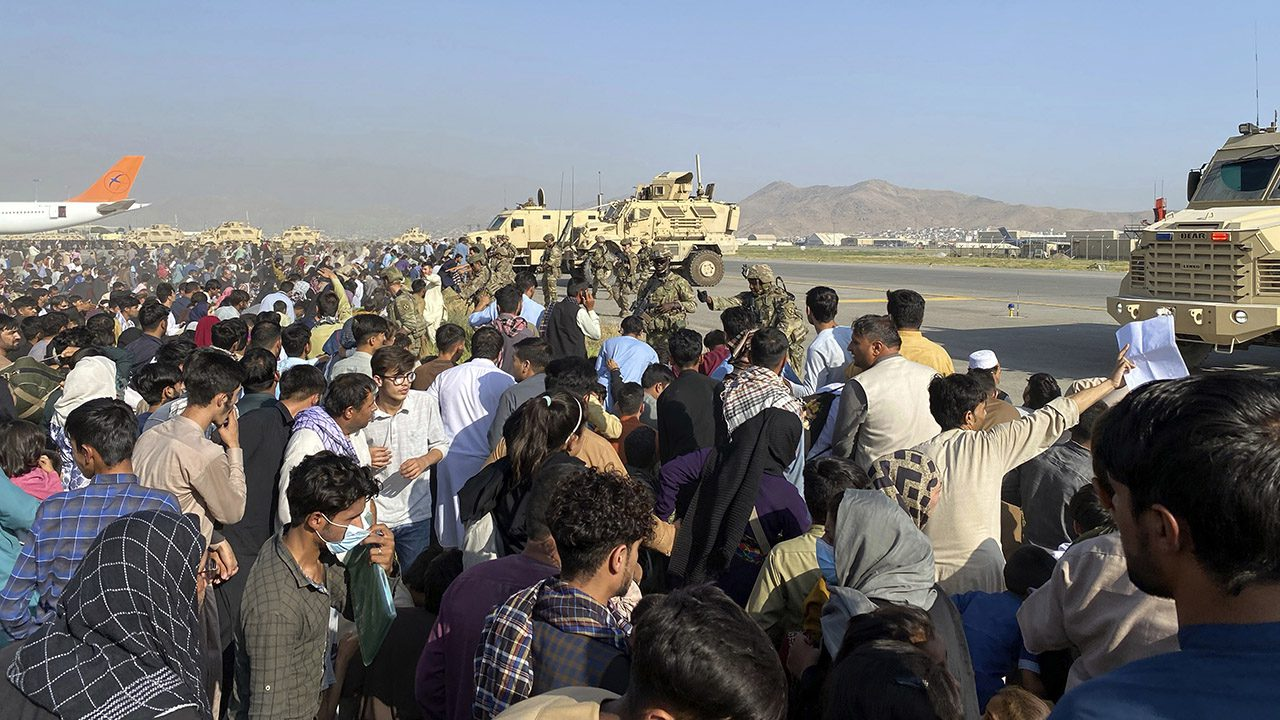state-department-says-350-americans-still-attempting-to-leave-afghanistan