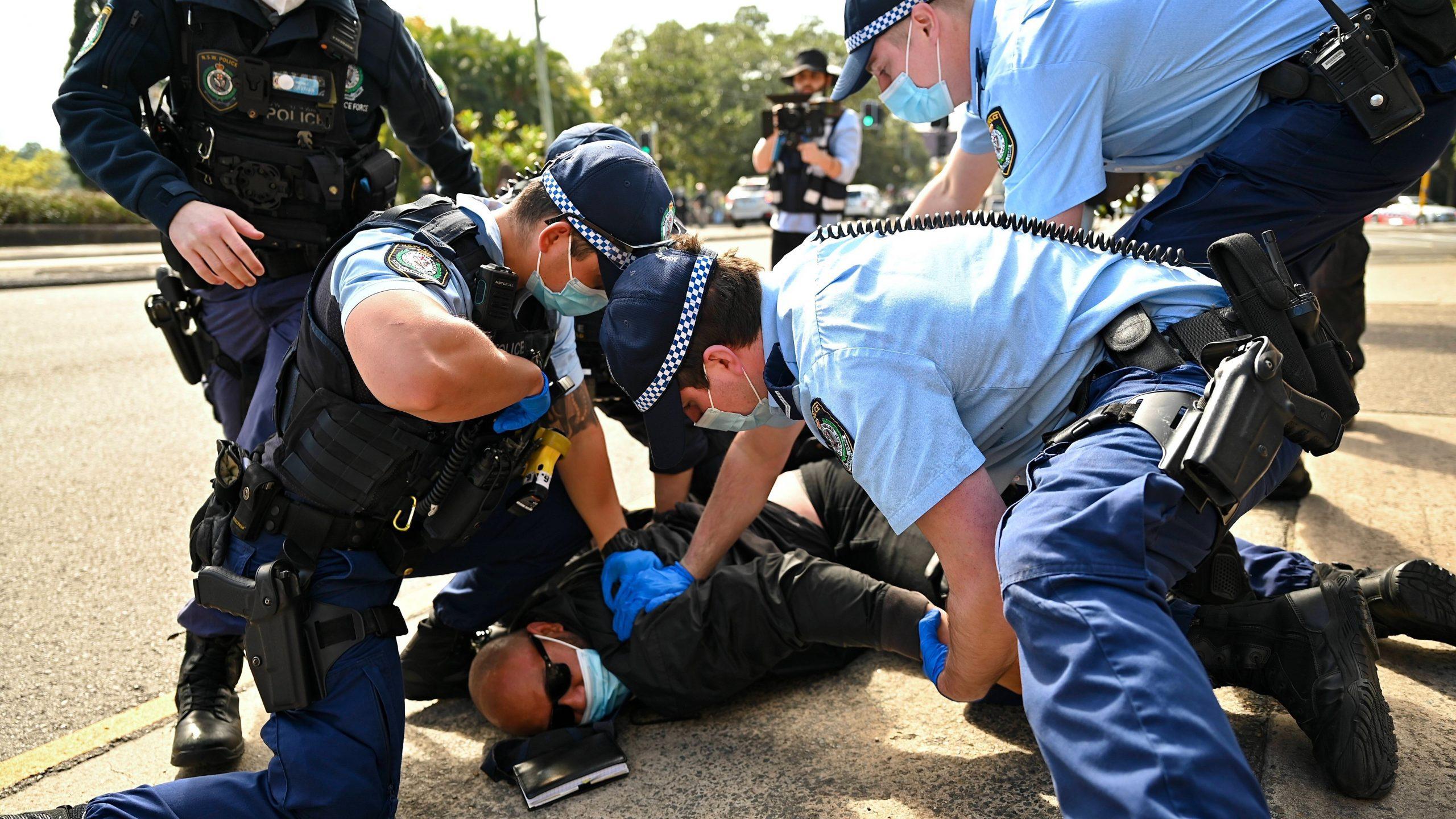 australien-im-covid-krieg:-verzweiflung,-selbstmorde-und-aufstaende