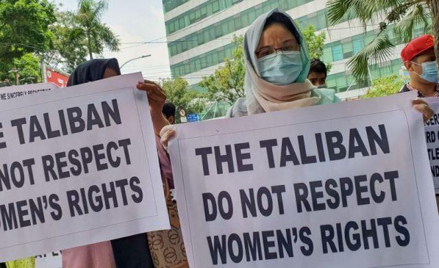 taliban-schlagen-harten-kurs-gegen-meinungsfreiheit-und-frauenrechte-ein