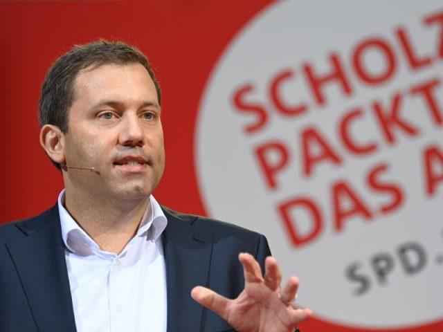 """klingbeil-wirft-union-""""schmutzkampagne""""-vor-und-nennt-laschet-""""mini-trump"""""""