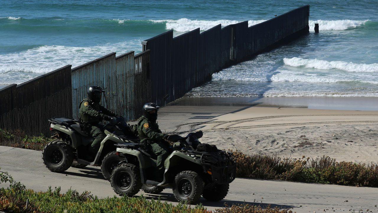 14-mexican-soldiers-crossed-into-us;-1-had-marijuana