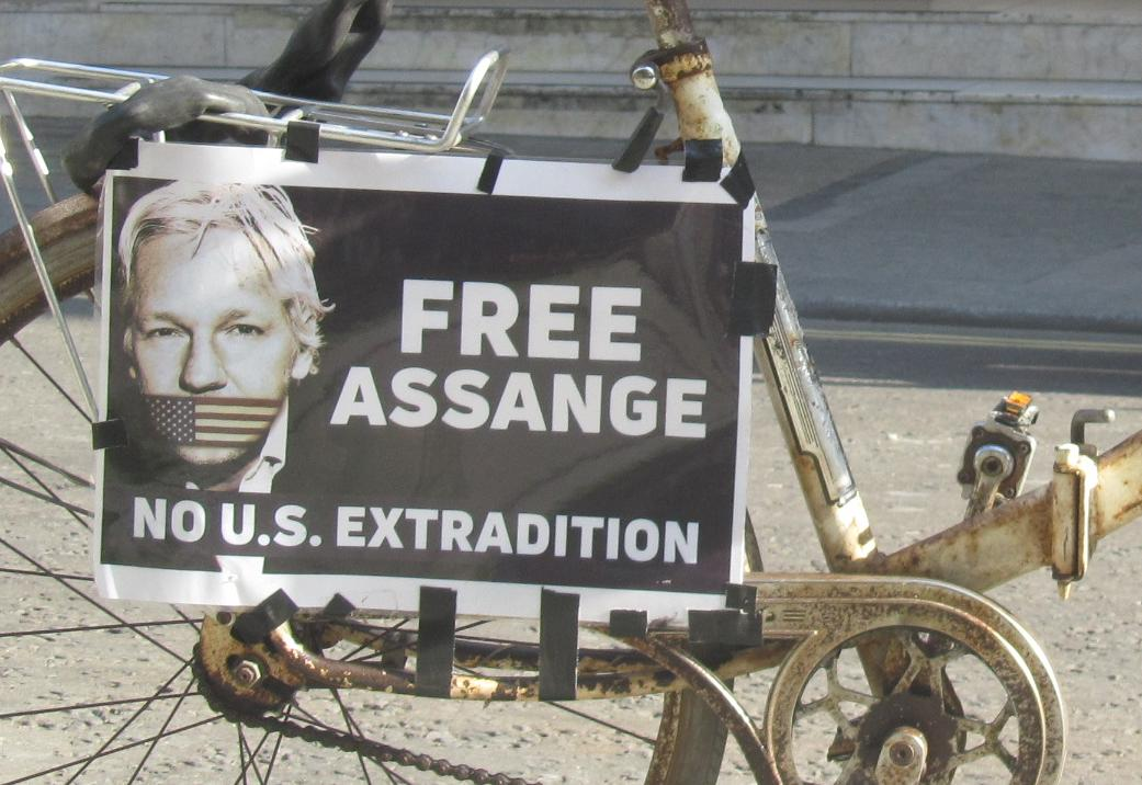 julian-assange-bald-in-freiheit-oder-ein-neuerlicher-schachzug-seiner-gegner?