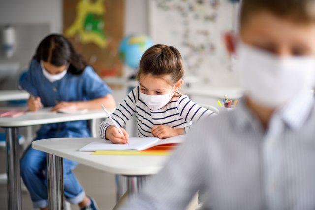 aerztevertreter-gegen-weitere-maskenpflicht-an-schulen-–-virologin-dagegen