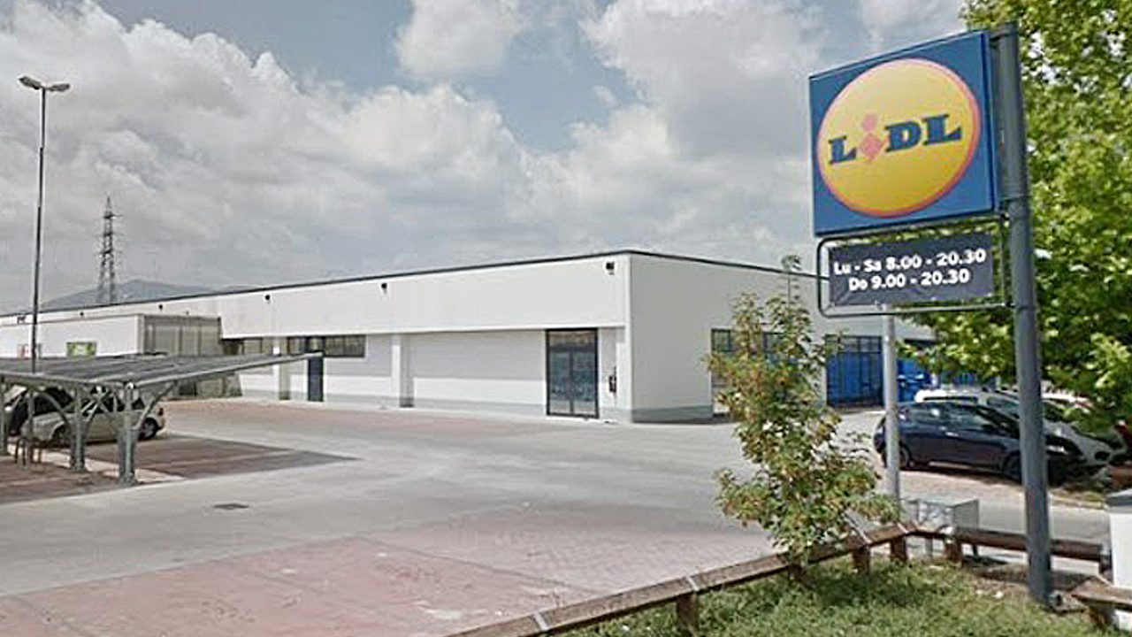 hungarian-ex-porn-star-allegedly-killed-2-year-old-son,-dropped-his-body-on-lidl-counter-in-italy