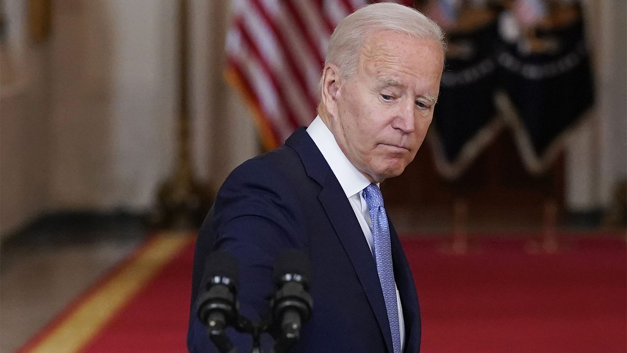 hannity:-biden-regales-michiganders-with-sidewinding-tale-about-grandfather-as-americans-stuck-in-afghanistan