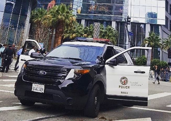 woman-fatally-shot-in-hollywood,-gunman-on-the-loose