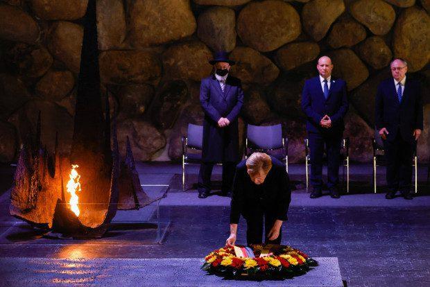 "angela-merkel-sagt-""shalom""-zu-israel"