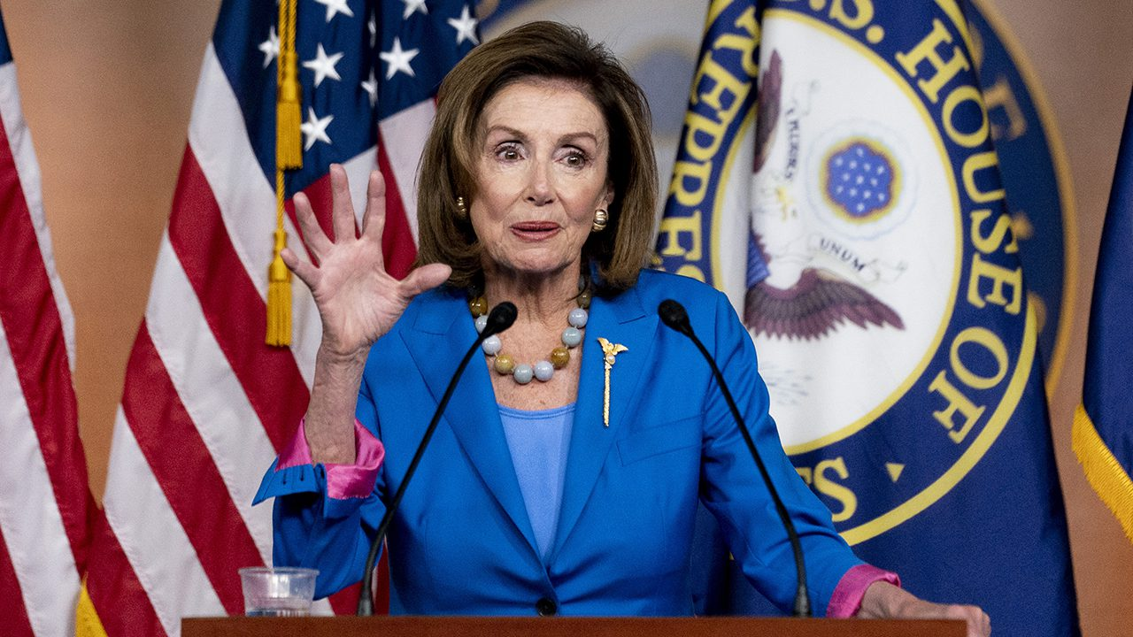 pelosi-lectures-reporters,-says-they-'could-do-a-better-job-selling'-build-back-better
