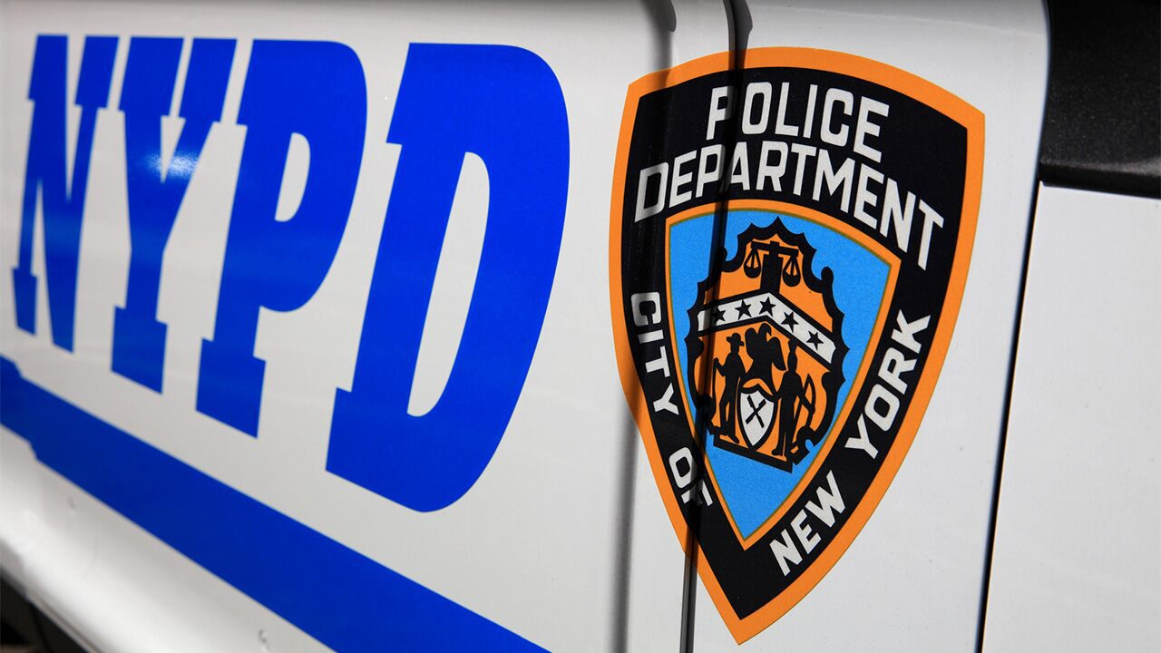 nypd-officer-opens-fire-at-suspected-members-of-high-end-robbery-ring