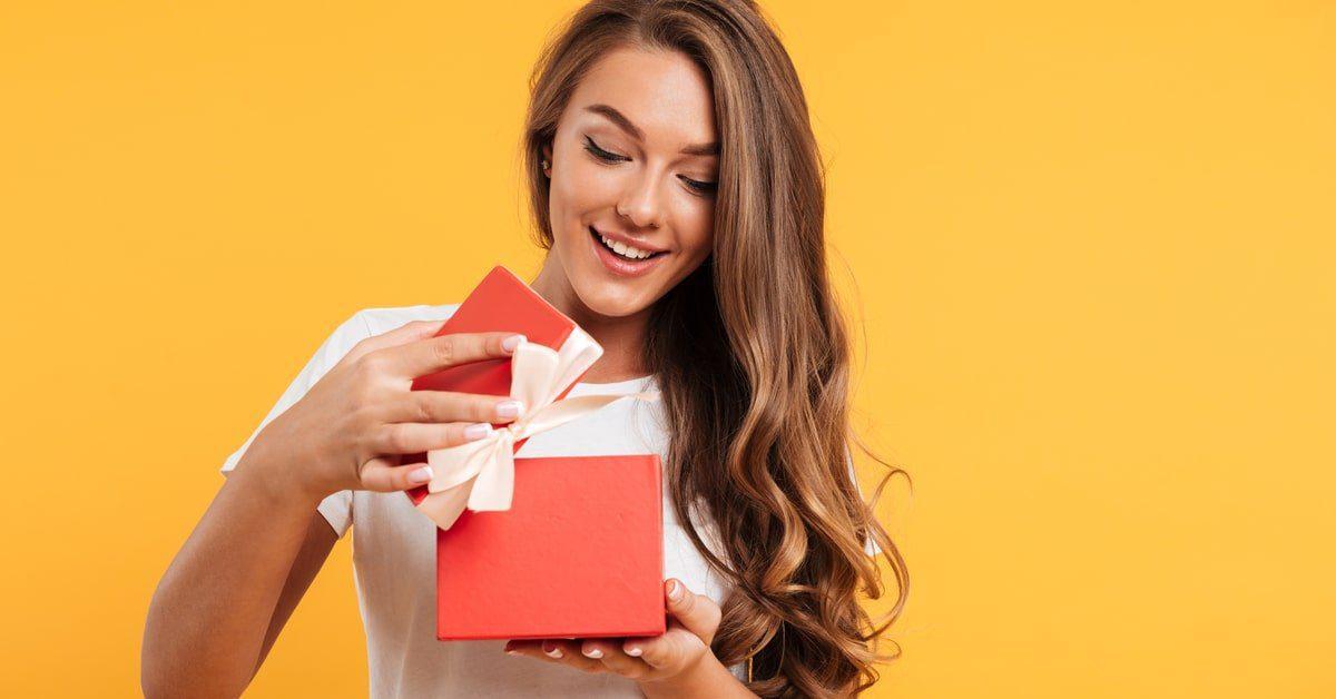 aufgepasst!-heute-ist-geschenk-sonntag-bei-compact