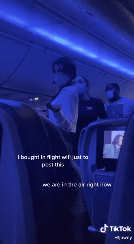 airplane-'karen'-uses-microphone-to-rant-about-pandemic-during-midflight-in-viral-video