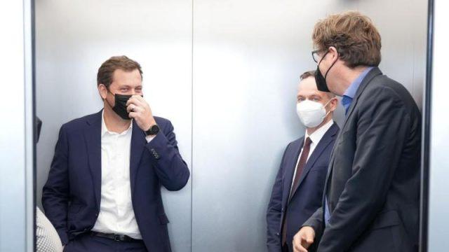spd,-gruene-und-fdp-starten-koalitionsverhandlungen